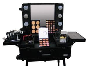 Ultimate Studio Makeup Kit Filled Light